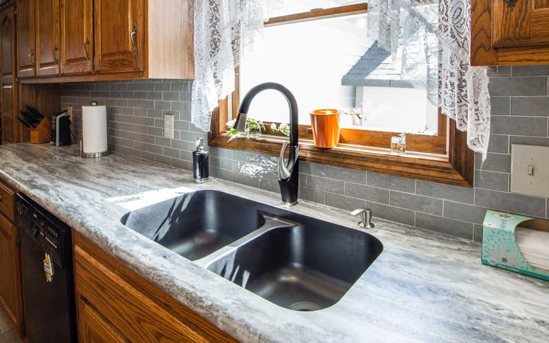 Best Farmhouse Sink: The Ideal Complement To Your Kitchen