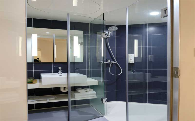 Different Types of Shower Doors